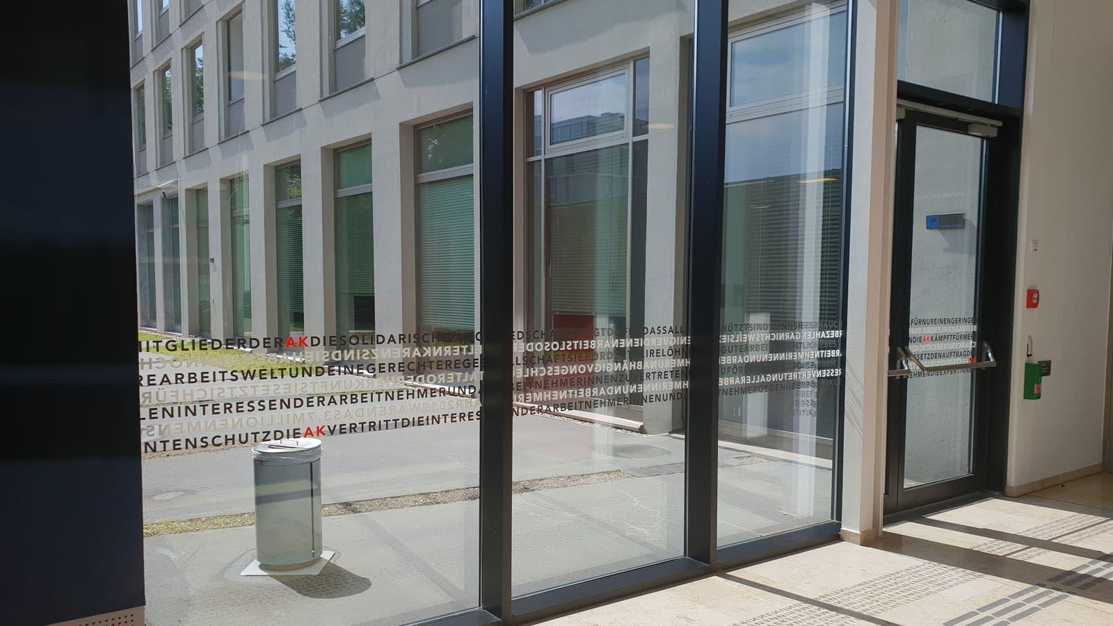 Auflaufschutz Glasmarkierung Anprallschutz