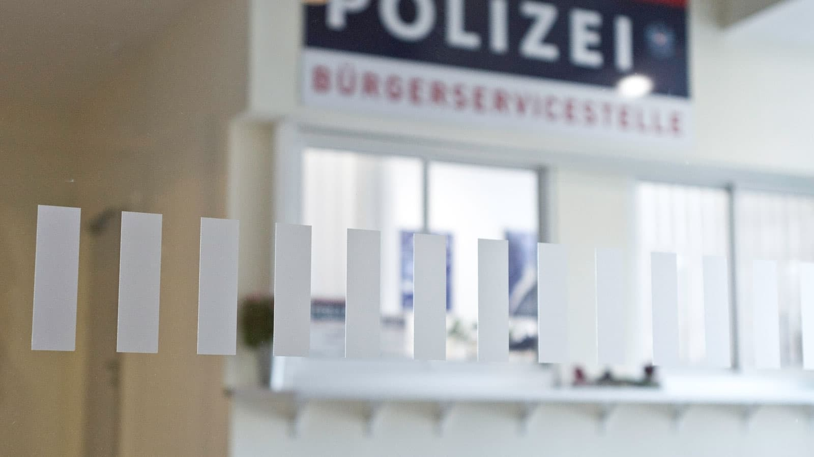 glasmarkierung milchglasfolien polizei eisenstadt